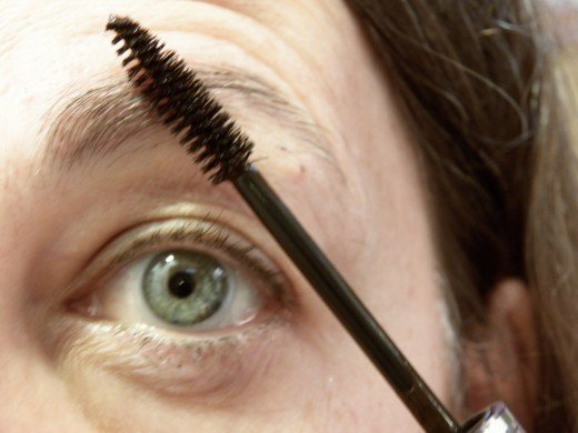 How to Fix Thin Grey Eyebrows 1