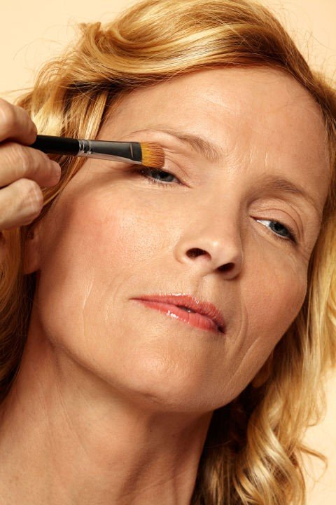 6 Ways to Get Younger Looking Eyes